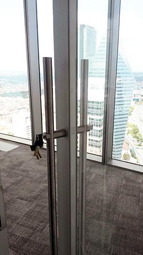 cam kapı kolu kiltli çekme silindir paslanmaz montaj 5302